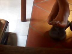 candid oriental hawt feet in lbrary