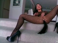 outstanding oriental mother i asa akira gives