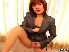 japanese office chick anna yumisaki masturbates