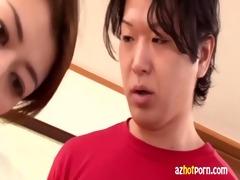 azhotporn.com - oriental woman peek bra-less