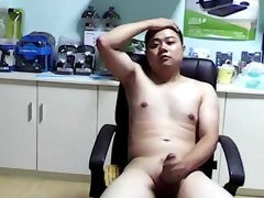 chinese bear lad jerkoff ejaculation