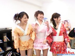 hawt teen japanese gals engulfing dongs and