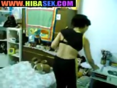 trois femmes arabes se gouinent