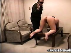 chap trains his hawt curvy slavegirl