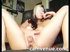 oriental nudie chick plays with constricted vagina