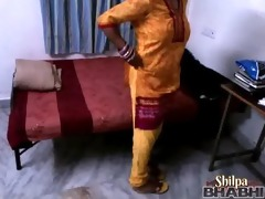 indian-sex shilpa bhabhi in yellow churidaar